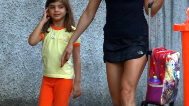 Filha de Grazi Massafera 'invade' treino e imita a atriz; veja vídeo