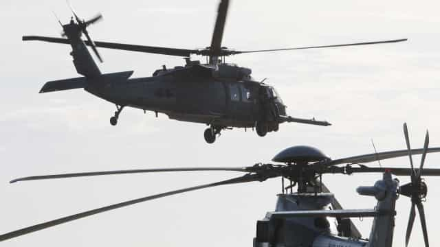 Helicóptero dos EUA cai no oeste do Iraque com 7 a bordo