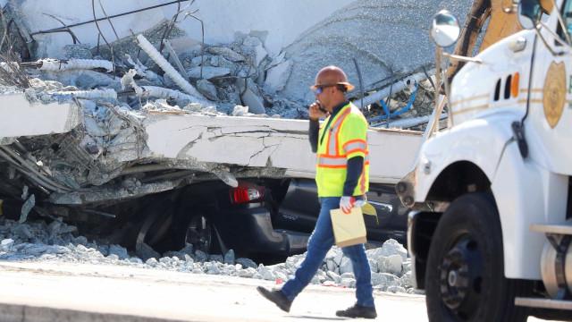 Equipe recupera 3 corpos nos destroços de ponte caída em Miami