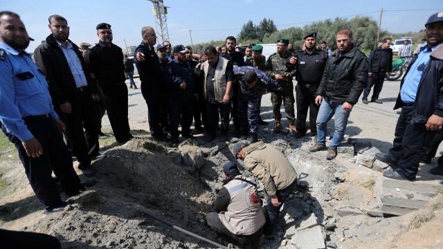 Instalações do Hamas em Gaza sofrem bombardeio de Israel