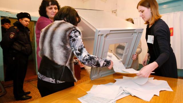 Contagem final: últimas seções eleitorais se fecham na Rússia