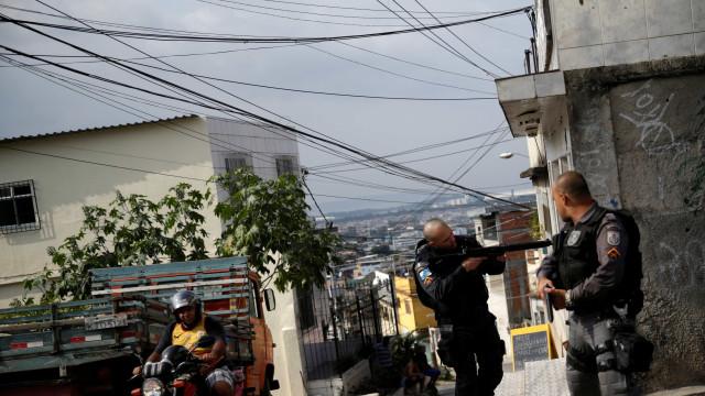 Rio: família de bebê morto no Alemão não tem dinheiro para enterro