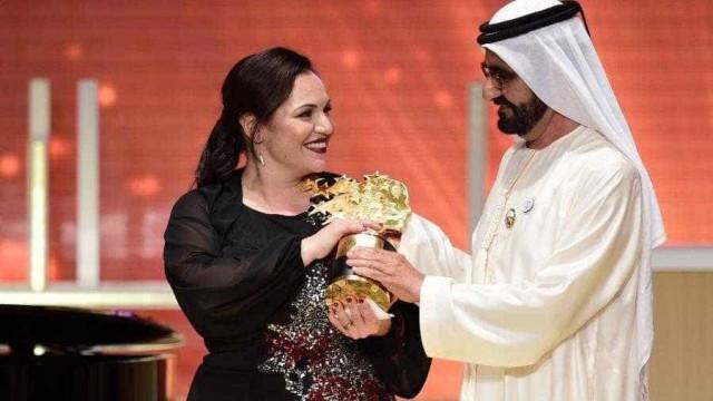 Inglesa aprende 35 línguas e vence prêmio de melhor professora do mundo