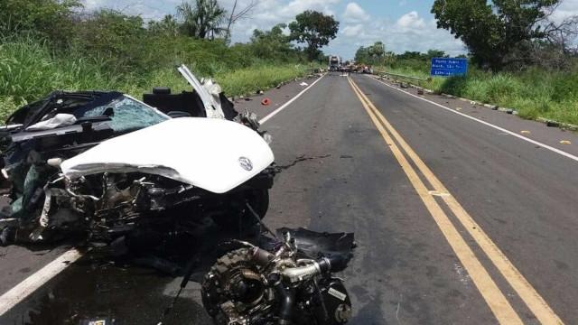 Grave colisão entre carros de luxo deixa dois mortos e um ferido no PI