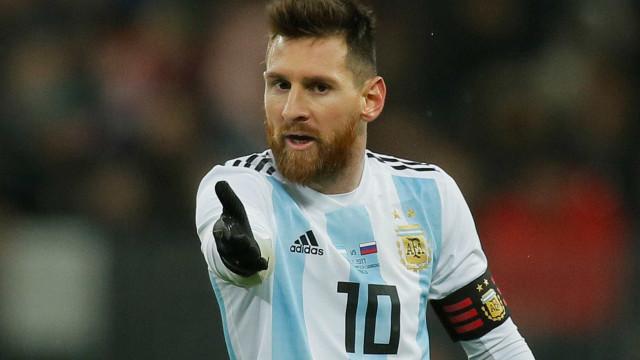 Messi diz que parou de ter vômitos após cortar chocolate e refrigerante