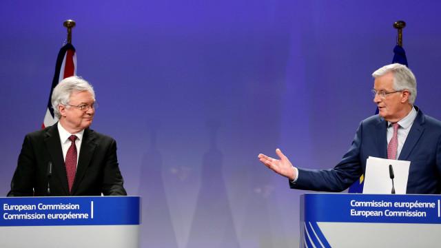 Reino Unidoe UE chegam a acordo sobre transição do 'brexit'