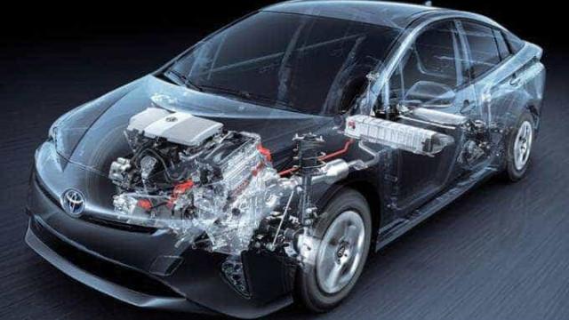 Toyota quer produzir carro movido a álcool, gasolina e eletricidade
