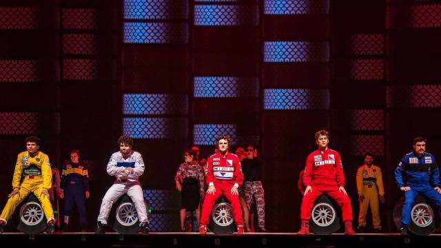 Narrativa onírica e circo guiam musical sobre Ayrton Senna