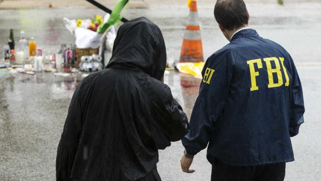 EUA: irmão de autor de tiroteio em escola é detido por entrar no local