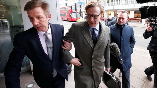 CEO de empresa envolvida em escândalo de violação de dados é afastado