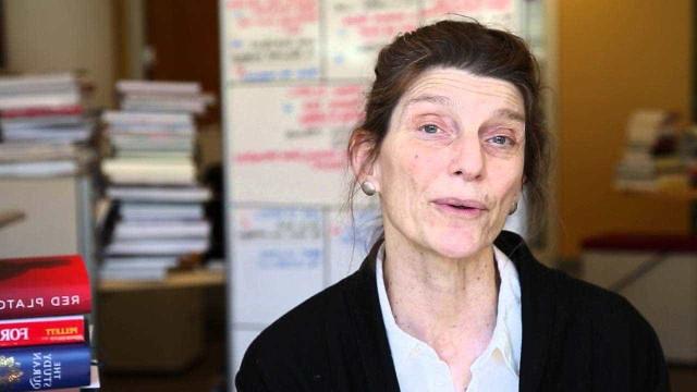 Me reconheço na melhor e na pior mulher, diz escritora Elena Ferrante