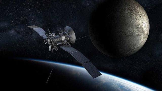 China lança satélite de telecomunicações no lado escuro da Lua