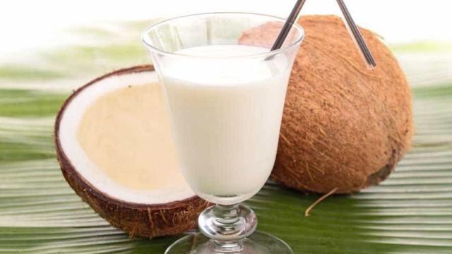 Prepare o drink Coco Loco e surpreenda os amigos