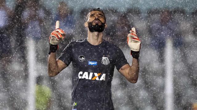 Santos vence Botafogo-SP nos pênaltis e avança à semido Paulista