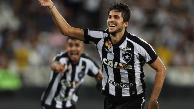 Em jogo de cinco gols, Botafogo elimina Vasco e está na final