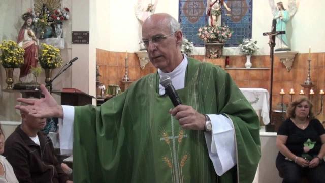 MP abre investigação sobre ameaças de morte ao padre Lancellotti