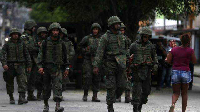 No Rio, Vila Kennedy volta a ser ocupada pelo Exército