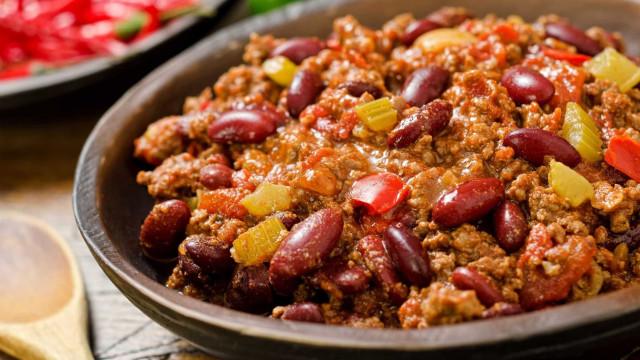 Receita mexicana: aprenda a fazer chilli com feijão