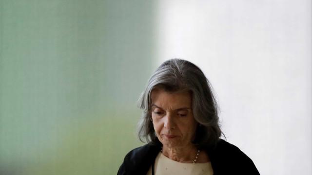 Cámen Lúcia lamenta reajuste salarial do STF: 'sacrifício é de todos'