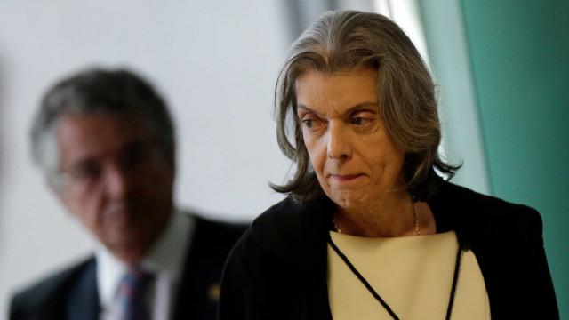 Cármen Lúcia diz que julgamento foi interrompido para evitar exaustão