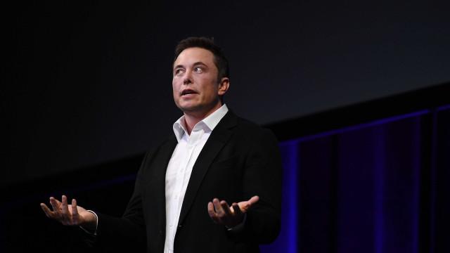 Após desafio, Elon Musk deleta perfis da Tesla e SpaceX do Facebook