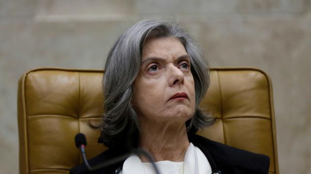 Ministro se irrita com Cármen Lúcia e sugere que ela dispense reajuste