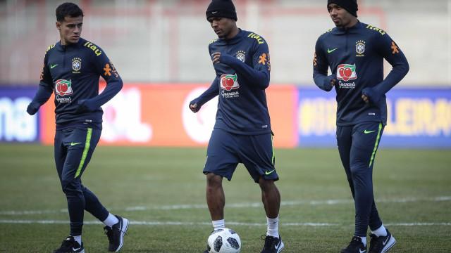 Seleção brasileira faz 1º treino em Berlim antes de pegar a Alemanha