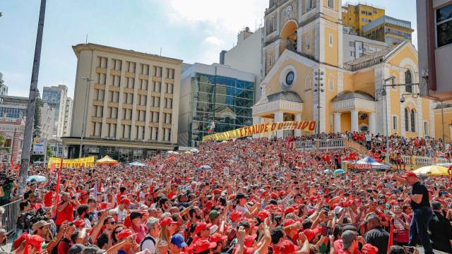 Lula sobre tentativa de impedimento de comício: 'Herdeiros de Hitler'