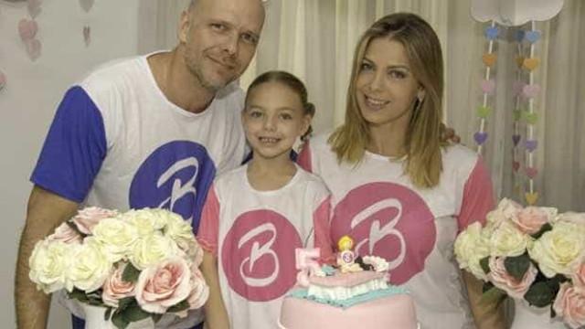 Scheila Mello e Xuxa festejam 5 anos da filha com 'festa do pijama'