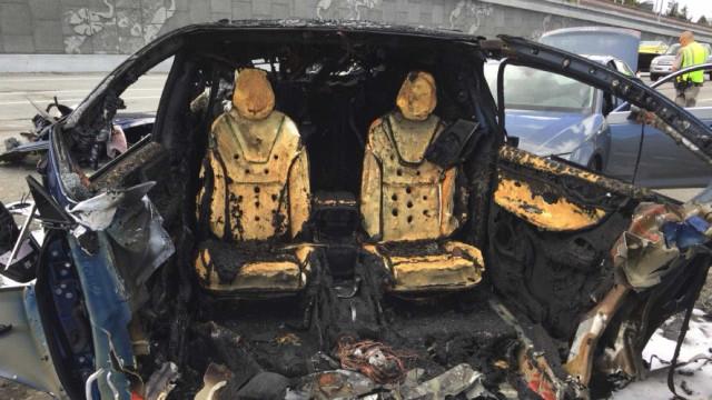 Tesla Model X se envolve em acidente mortal nos EUA