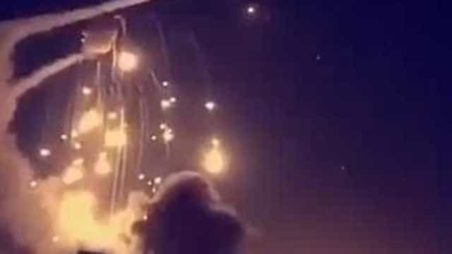 Sistema antimíssil erra alvo e bombardeia área residencial; vídeo