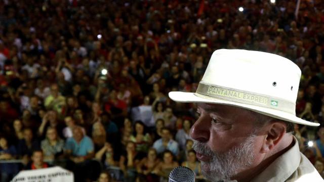 Ataque à caravana de Lula repercute em jornais internacionais