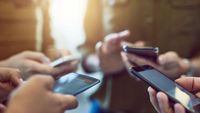 Caso fabricantes quisessem, celulares poderiam durar até 15 anos