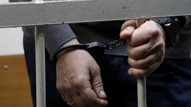 Suspeito de matar mulher em condomínio na Barra se entrega