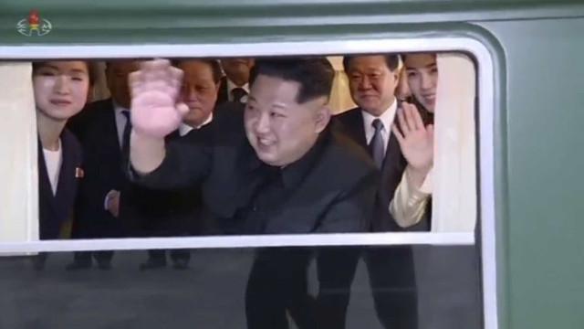Champanhe, lagosta, poltrona rosa: como é trem blindado de Kim Jong-un