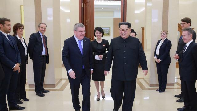 Kim Jong-un assiste a espetáculo de artistas sul-coreanos em Pyongyang