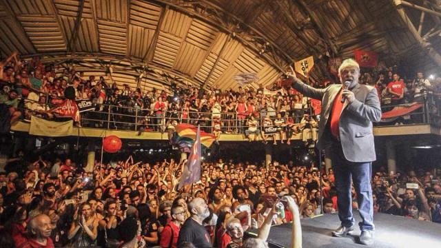 'Não vou aceitar ditadura do Moro', diz Lula em ato no RJ