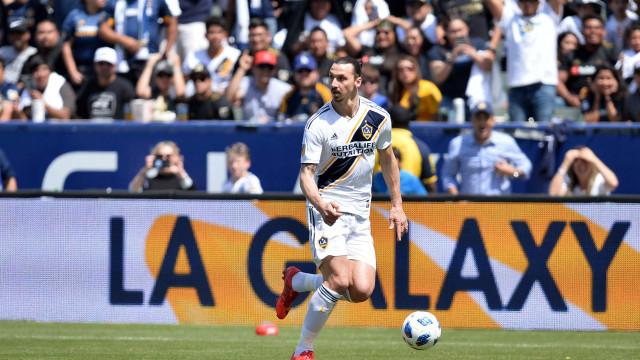 Veja o passe espetacular de Ibrahimovic pelo LA Galaxy