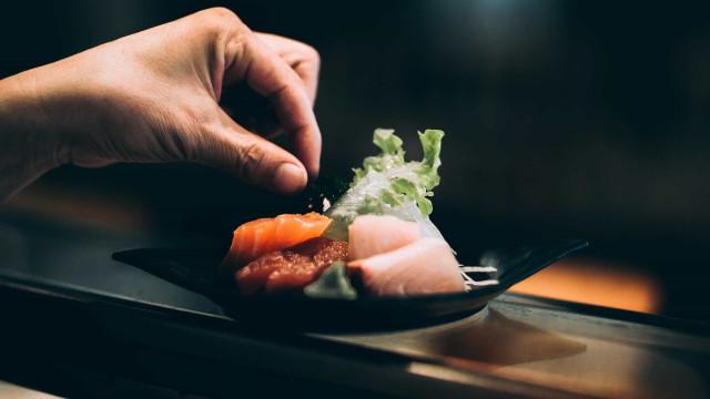 O que você come quando pede peixe branco no restaurante japonês?