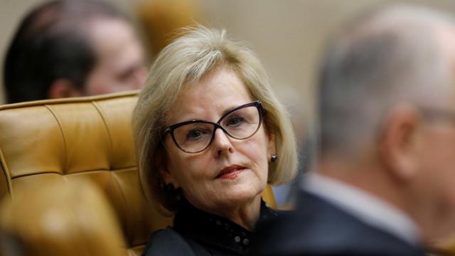 Ministros do TSE fazem reunião fechada após registro de Lula