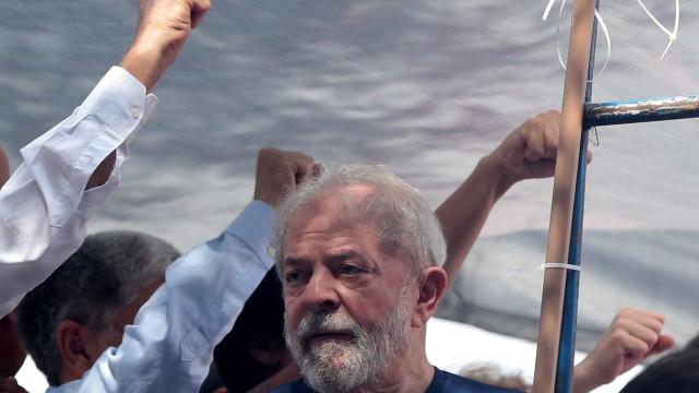 Militantes vão fazer greve de fome para apoiar Lula