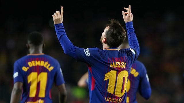 Barça vence com hat-trick de Messi e iguala recorde de invencibilidade