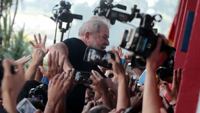 Vox Populi: Lula lidera com 47% das intenções de voto após prisão