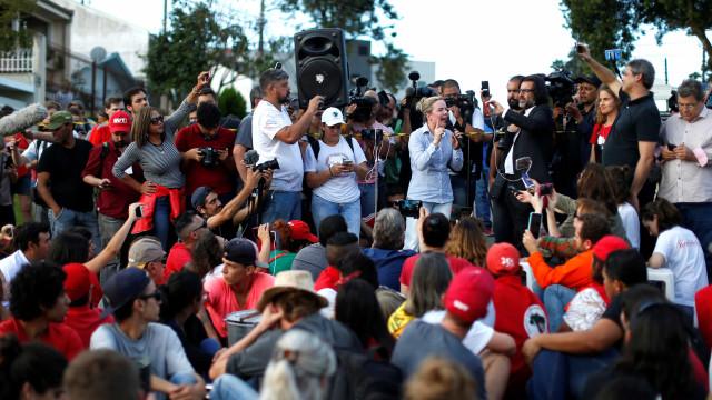 Gleisi critica CNI por não convidar representante de Lula para sabatina