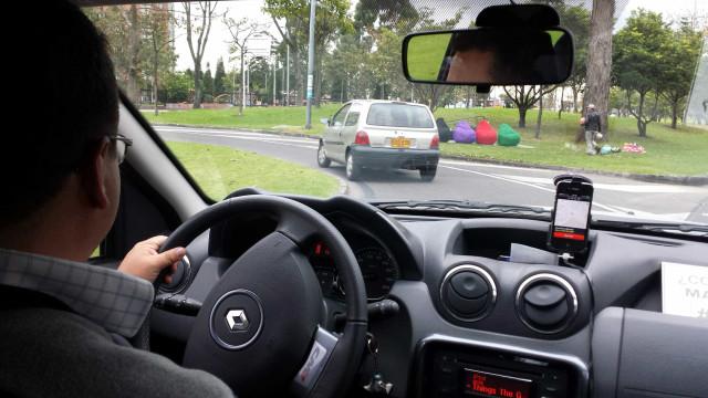 Motoristas de app serão credenciados pela Prefeitura e pagarão taxas