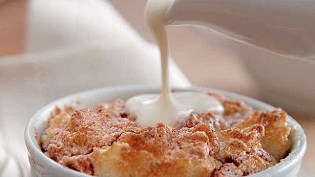 Aprenda a fazer um soufflé de goiaba com requeijão