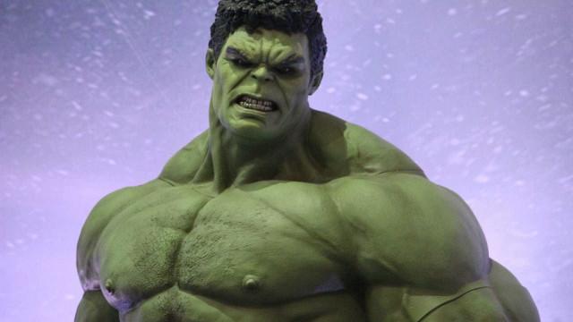 Diretores de 'Guerra Infinita' dizem que Thanos é mais forte que Hulk