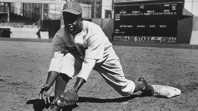 Há 71 anos: J. Robinson se torna o 1º negro a jogar beisebol nos EUA