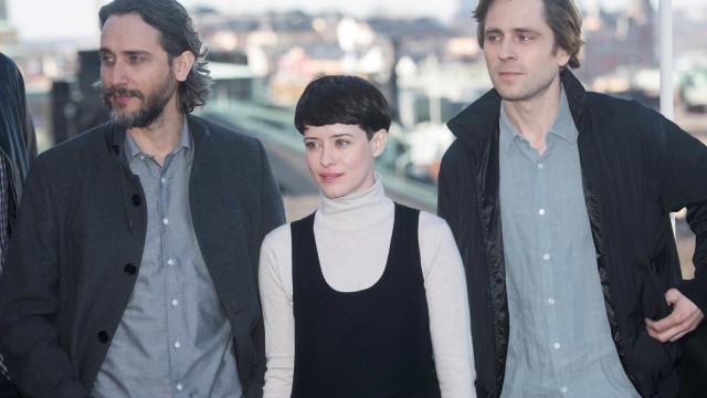 Claire Foy, de 'The Crown', corta o cabelo para nova personagem