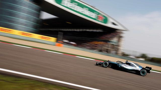 Mercedes admite resultados abaixo do esperado, mas pede 'calma'